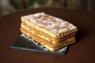 Receita bolo de banana simples com doce de leite(foto: divulgação/ Cauê Porto)