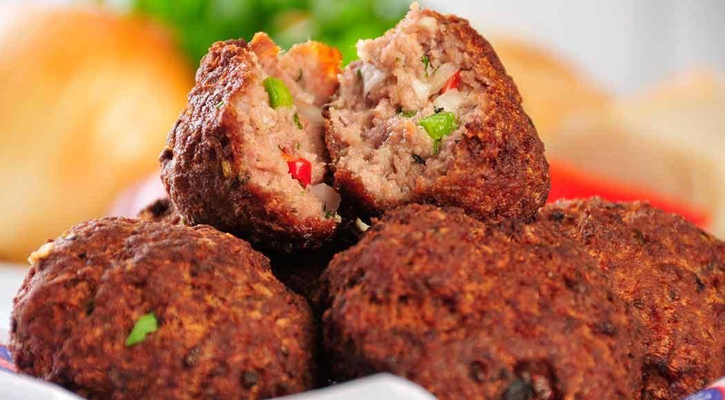 O famoso bolinho de carne do Bar do Luiz Fernandes (Foto: Divulgação)