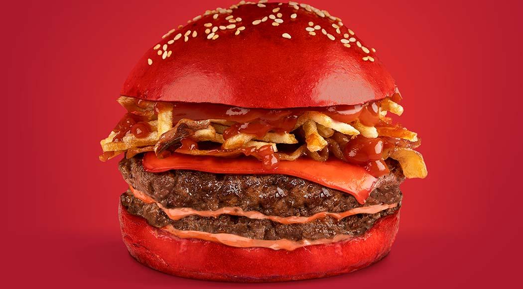 Heinz ensina a fazer hambúrguer com ketchup em todos os ingredientes