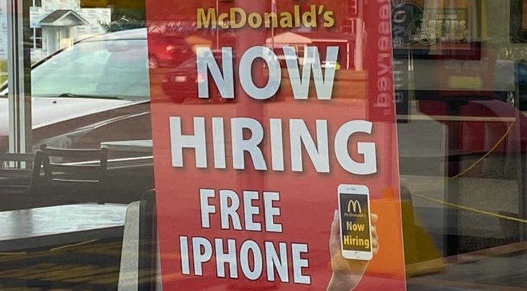 Loja do McDonald's nos EUA oferece iPhone a novos funcionários