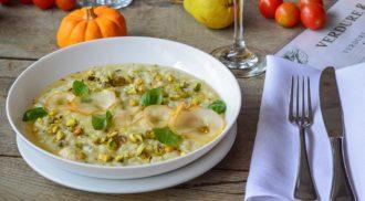 Receita fácil de risoto de gorgonzola e peras assadas