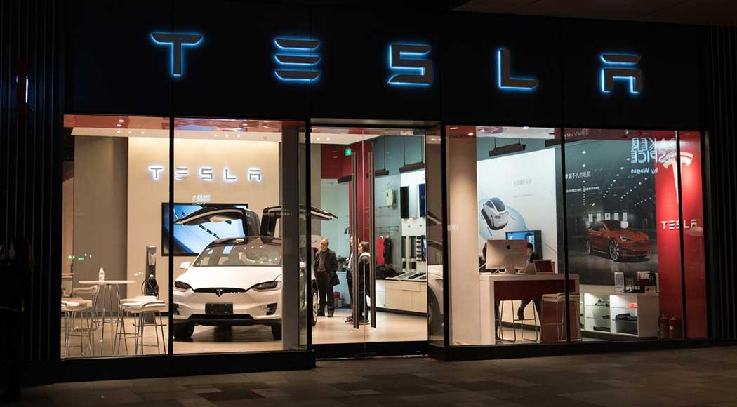 Tesla pretende inaugurar lanchonetes com estilo retrô nos EUA