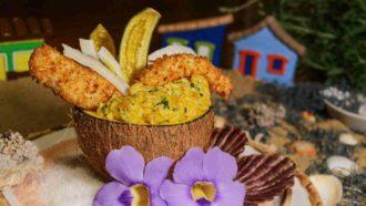 Chef de Prado ensina receita de robalo e camarão crocantes com risoto de bobó