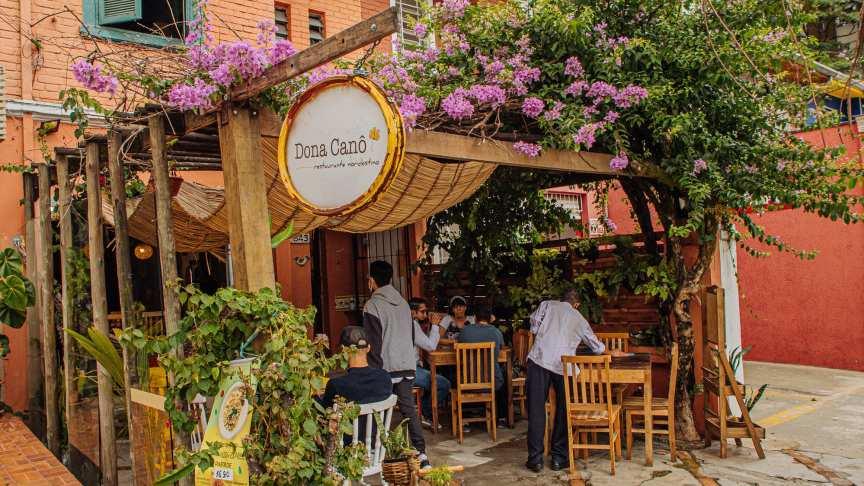 Dona Canô, o gastrobar baiano de São Paulo que é uma viagem ao nordeste