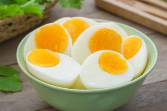 Os erros mais condenáveis que as pessoas cometeram ao cozinhar ovos (Foto: iStock)