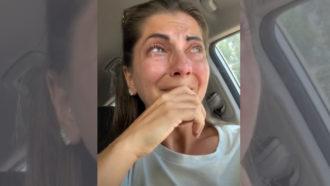 Mulher chora após restaurante recusar atendê-la por ser surda (Foto: Reprodução/@shannon_heroux)